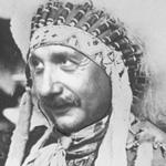 Prof. Einstein zum Indianer-Häuptling ernannt! Diese Foto-Montage zeigt den berühmten Prof. Einstein, wie er als Indianer-Häuptling der Hopi-Indianer im grossen Schmuck aussehen wird.
