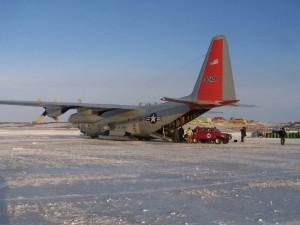LC-130 Hercules Transportflugzeug am Südpol